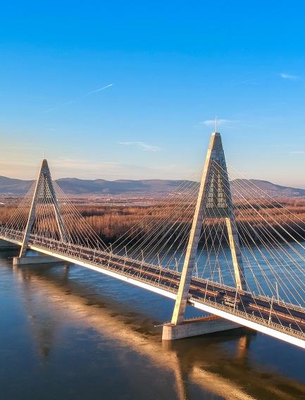 Megyeri híd építése